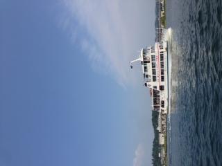 デカい遊覧船、